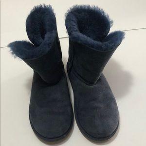 Hugg boots